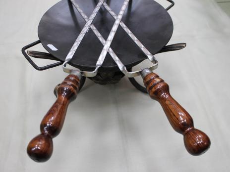 Шампур двойной с деревянной ручкой 60см