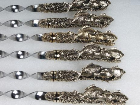 Подарочные шампура Караси с цельно литой ручкой