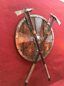 Кованый щит топоры (Рагнарёк)